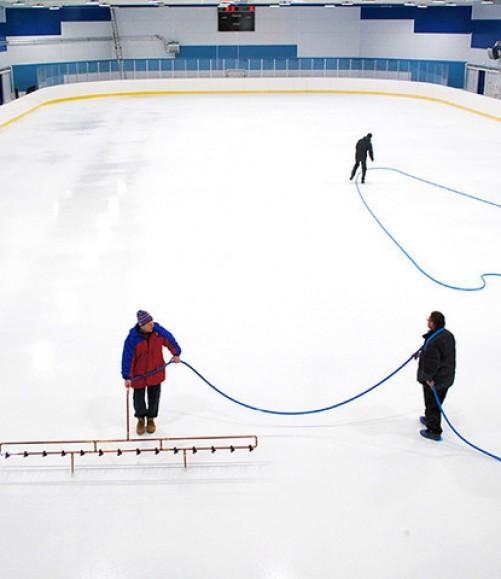 Заливка и обслуживание льда